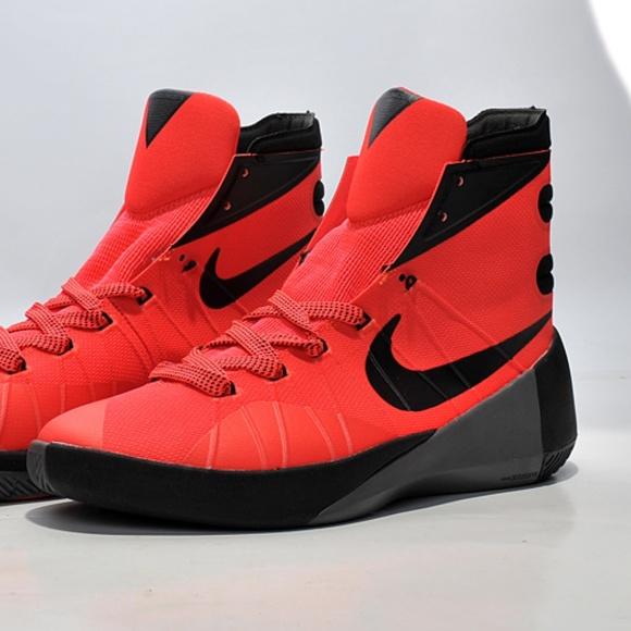 77ca81f3ffec Nike Hyperdunk 2015 Basketball Sneakers. M 5b4b845245c8b38e2ea8271d